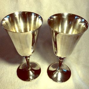 2 Matching Wedding Wine Goblets